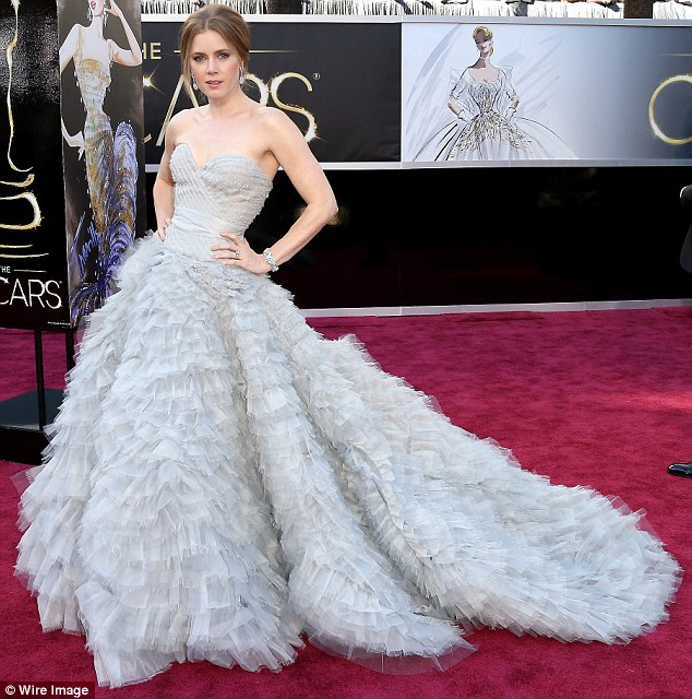 Amy Adams in OdlR gown 2010